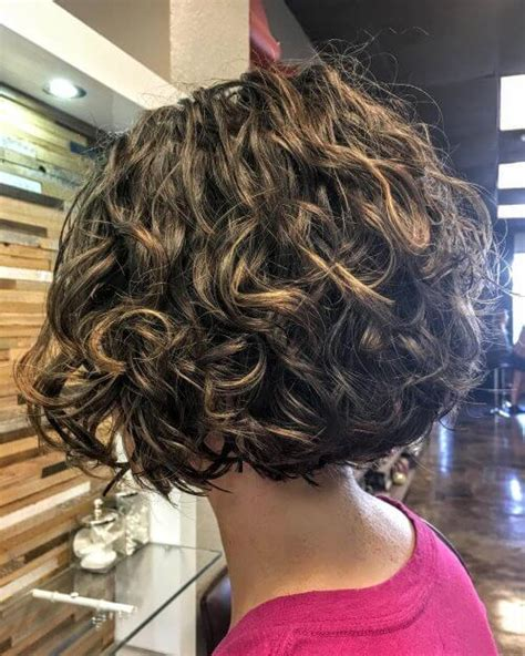 32 short curly hairstyles for women in 2018