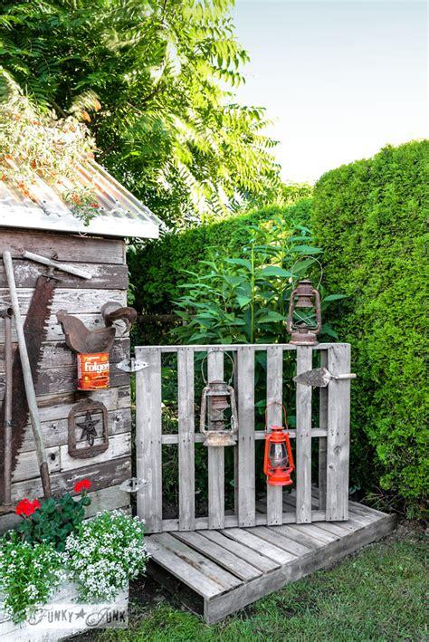 pallet gate  boardwalk   shedfunky junk