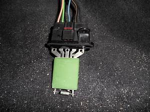 2002 Dodge Dakota Blower Motor Resistor Connector