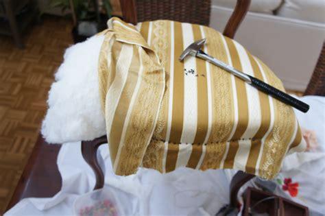 tapisser une chaise existe t il des tapissiers pas chers tapissier