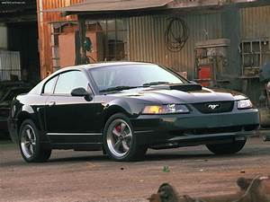 Ford Mustang Bullitt GT (2001) - picture 1 of 28