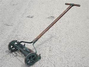 Non Electric  Non Gas Powered Mower    Anybody Use One
