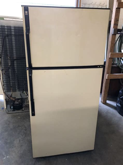 manual defrost fridge  sale  youngstown  offerup