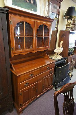 RARE CUSHMAN COLONIAL CREATIONS MAPLE BUFFET w/ HUTCH