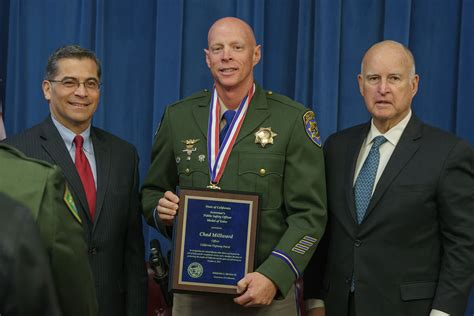 law enforcement officers receive governors medal