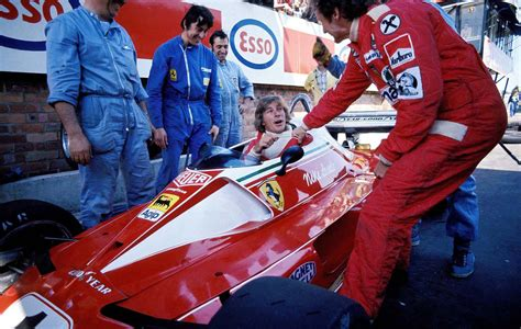 To understand the ferrari 312t on a surface level doesn't take a genius. Throwback That time James Hunt took a seat in Niki Lauda's Ferrari, Monaco 1976. : formula1