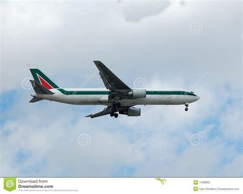 boeing 767 passenger jet stock photos image 1438663