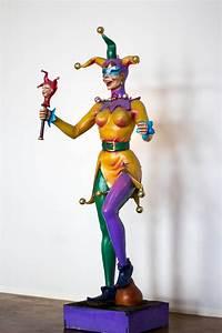 jester statue kern studios