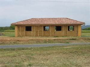 by maison en grosses bottes de paille porteuses boris With maison bois et paille 14 les maisons aux comores