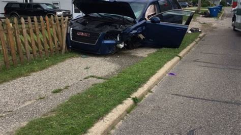 Boat Crash Into Pole by Driver Swerves To Miss Cat Crashes Into Pole Damaging