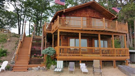 cottage rentals in michigan lakeside cabin rentals northern michigan vacation getaway