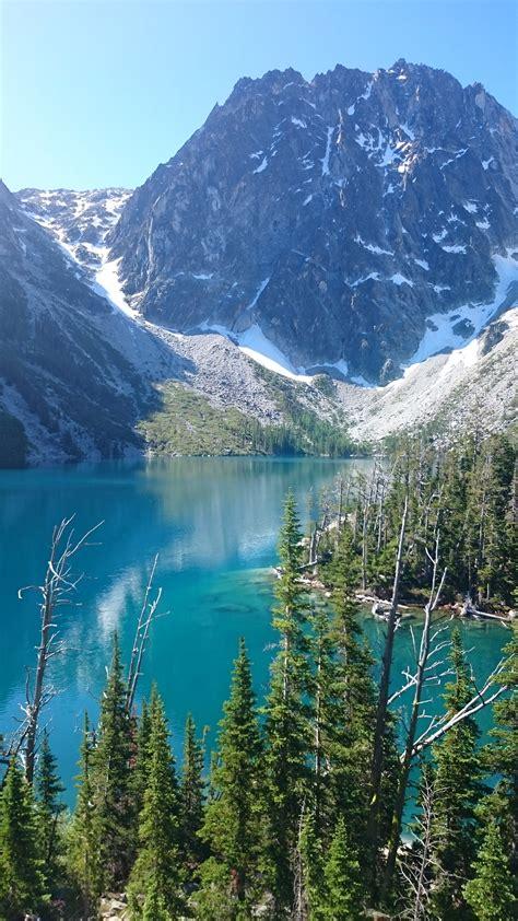 hiking  lake colchuk  aasgard pass gateway