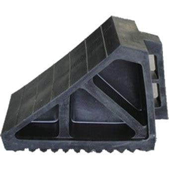 rubberized car wheel chock mm  mm  mm