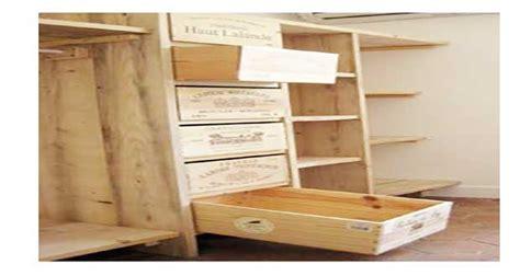 meuble de bureau pas cher faire un dressing avec des caisses en bois