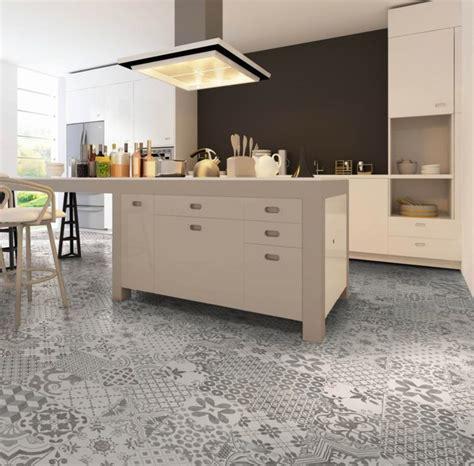 carrelage cuisine gris carrelage gris mural et de sol 55 idées intérieur et