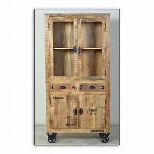 Rustikale Lampen Aus Holz : rustikale vitrine aus holz mit rollen ~ Markanthonyermac.com Haus und Dekorationen