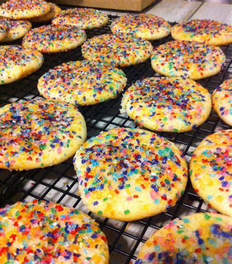 Betty crocker pulled that little stunt a while back. Duncan Hines Cookie Recipes Using Cake Mix / Recipe: Cinnamon Crinkles   Duncan Hines Canada ...