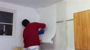 Tapeten Entfernen Tipps : so geht 39 s tapeten vliestapeten tapezieren anleitung me doovi ~ Markanthonyermac.com Haus und Dekorationen