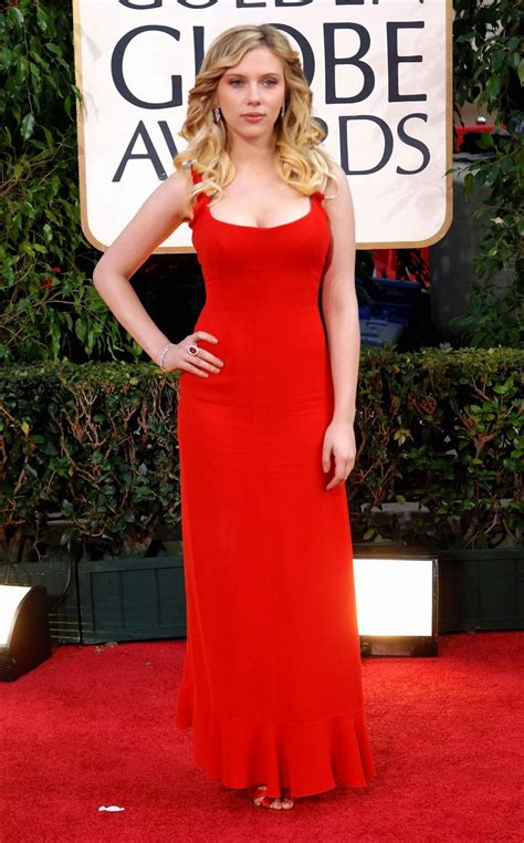 scarlett johansson beautiful pics  red dress  golden