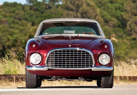 Generalmente, su trabajo ha sido descrito como muy atractivo por el público de estados unidos, donde ha gozado de especial veneración, gracias a la elegante mezcla de aluminio y adornos cromados. Ferrari 375 America Vignale Coupe (0327 AL) 1954 photos