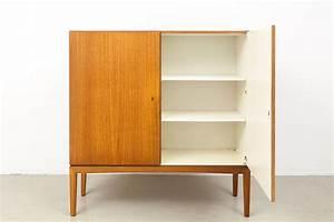 Möbel 60er 70er : magasin m bel 60er 70er jahre teak schrank 606 ~ Markanthonyermac.com Haus und Dekorationen