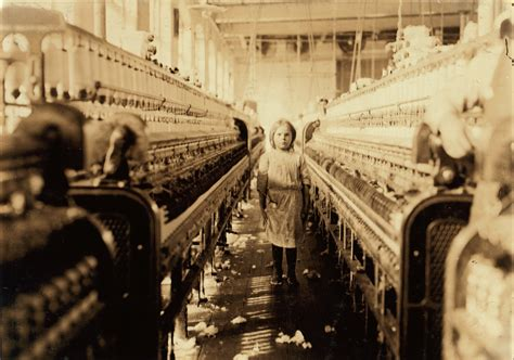 Filelewis Hine, A Little Spinner In The Mollahan Mills