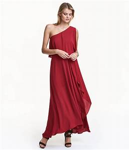 10 glam dresses to wear to winter weddings With dresses to wear to a winter wedding