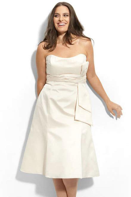 location bureau bordeaux robe meringue bustier simple courte pour femme ronde