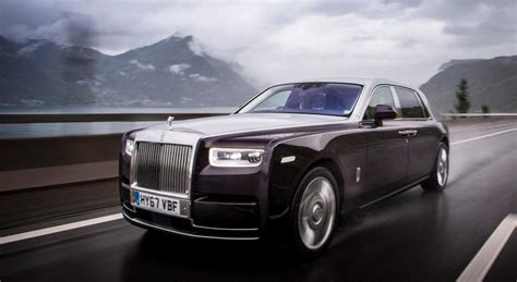 rolls royce phantom rolls royce phantom viii driving the s quietest car