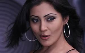 Rimi Sen Bollywood Actress Wallpapers http://funnmusti ...  Rimi