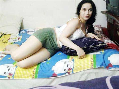 Horny Bhabhi Chud Gai Hotel Me Antarvasna Sex Pics