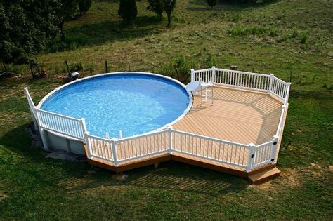 Above Ground Pool Deck Ideas from Wood for Relaxation Area ...