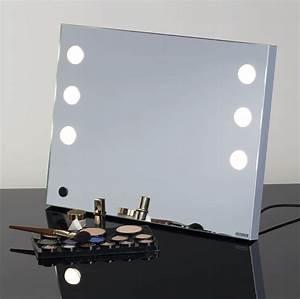 Miroir Lumineux Maquillage : le nouveau miroir lumineux cantoni est portable cantoni ~ Teatrodelosmanantiales.com Idées de Décoration