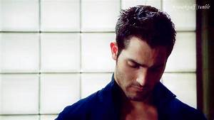 Tyler Hoechlin Television GIF - Find & Share on GIPHY