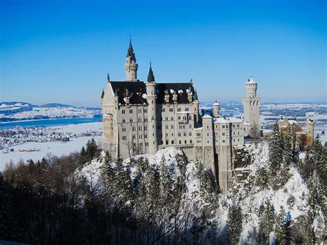 le chateau de neuschwanstein en hiver voyage en baviere