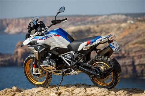 bmw r 1250 gs hp 2019 bmw r 1250 gs and r 1250 rt look review
