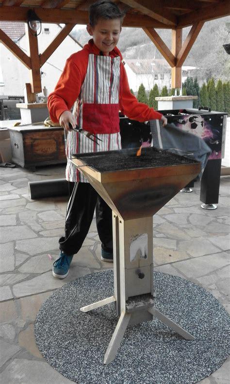 Grillen Auf Der Terrasse by Grill Grillen Zubereiten Speisen 252 Ber Feuer