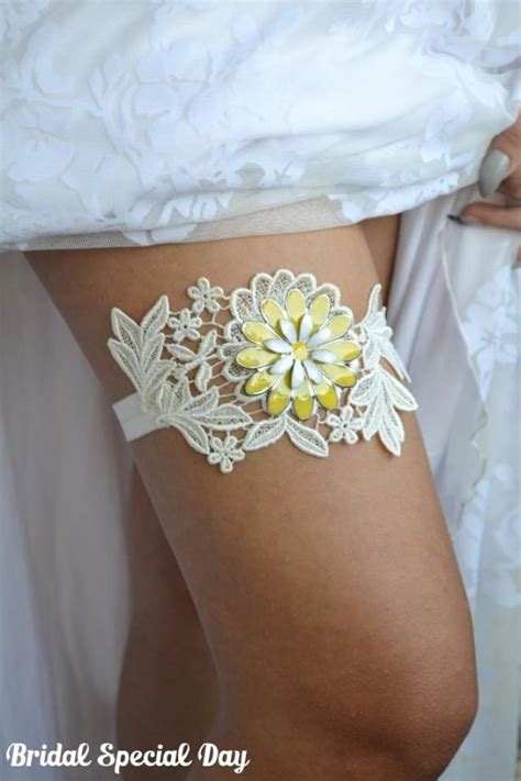 Yellow Wedding Garter, Lace Wedding Garter, Bridal Garter