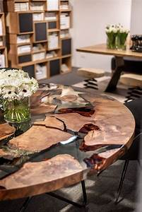 Table Resine Bois : earth table une table en r sine et bois de 50000 ans 2tout2rien design pinterest r sine ~ Teatrodelosmanantiales.com Idées de Décoration