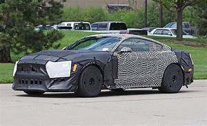 2019 Ford Mustang GT500 Spied In Detroit With Massive Tires - autoevolution