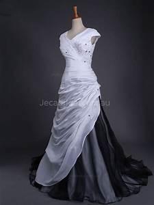 V Neckline Cap Sleeves Black And White Wedding Gown W1042
