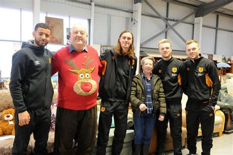 Heartwarming moment kids meet their Hull City heroes - and ...