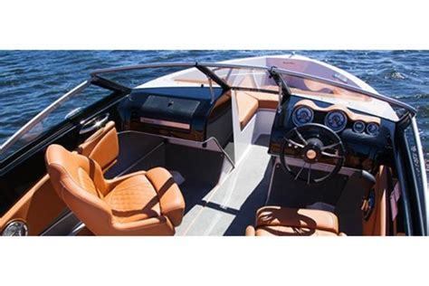 Glastron Boats Reviews 2013 by 2013 Glastron Gt 185 Bowrider Boat Review Boatdealers Ca