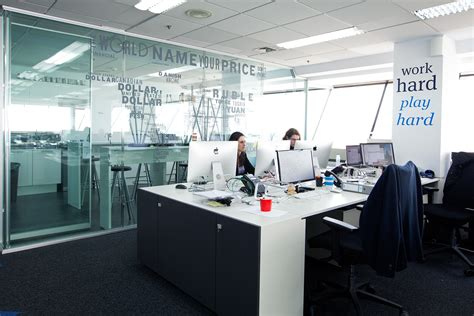 les bureaux les 10 plus beaux bureaux de fintechs dans le monde
