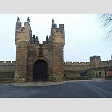 Review 'alnwick' A Beautiful Small Town With Lots To Offer