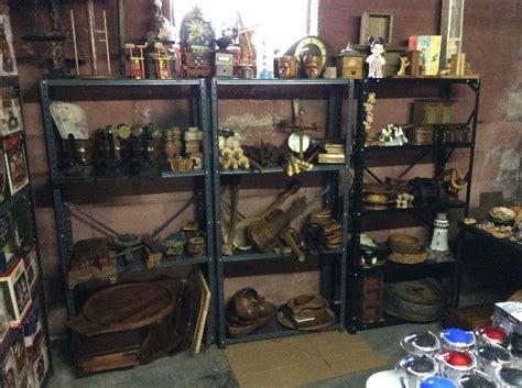 massive estate sale    full  treasures starts