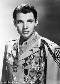 most decorated soldiers ww2 lt garlin murl denied posthumous medal of honor