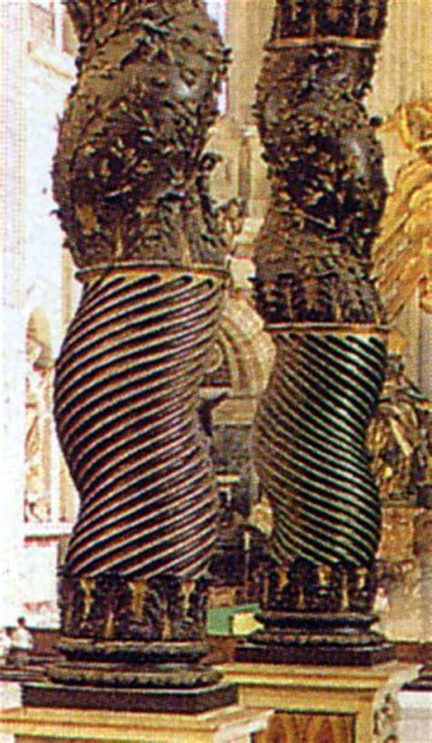 caratterizzano il baldacchino di bernini in san pietro trionfo barocco ad agnone lo straordinario altare