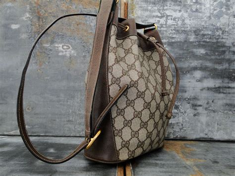 gucci vintage drawstring bucket bag brown