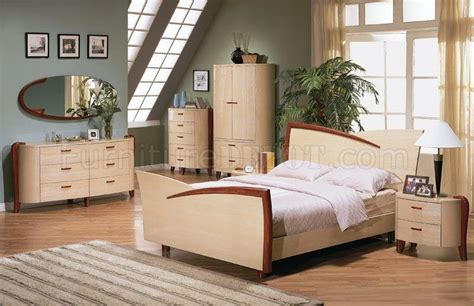 maple color high gloss finish bedroom set with cherry accents